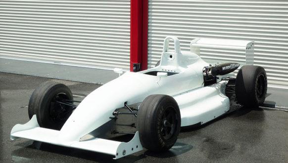 F3 RALT RT32 -1991- 展示場所:元町4丁目